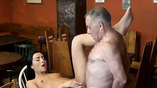 Cheerleader used and fucked first time..